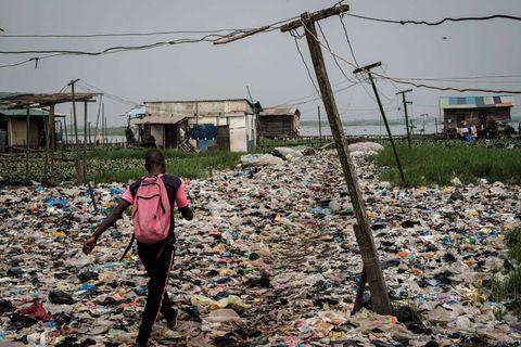 """Une fuite d'hydrocarbures de la société Shell ravage des villages entiers au Nigéria: """"Le pays est assis sur un baril de poudre à canon"""""""