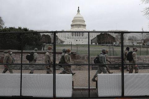 Assaut du Capitole: une commission spéciale enquêtera au Congrès américain