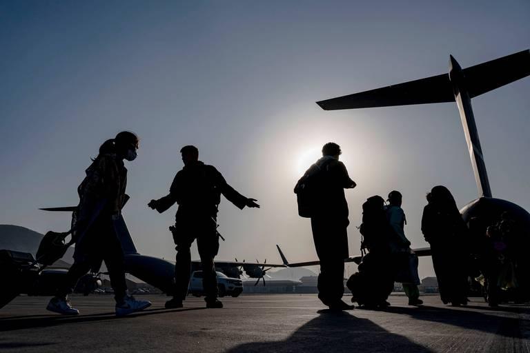 """À Kaboul, les Afghans pris dans le piège taliban : """"Je redoute le moment où ils viendront pour moi"""""""