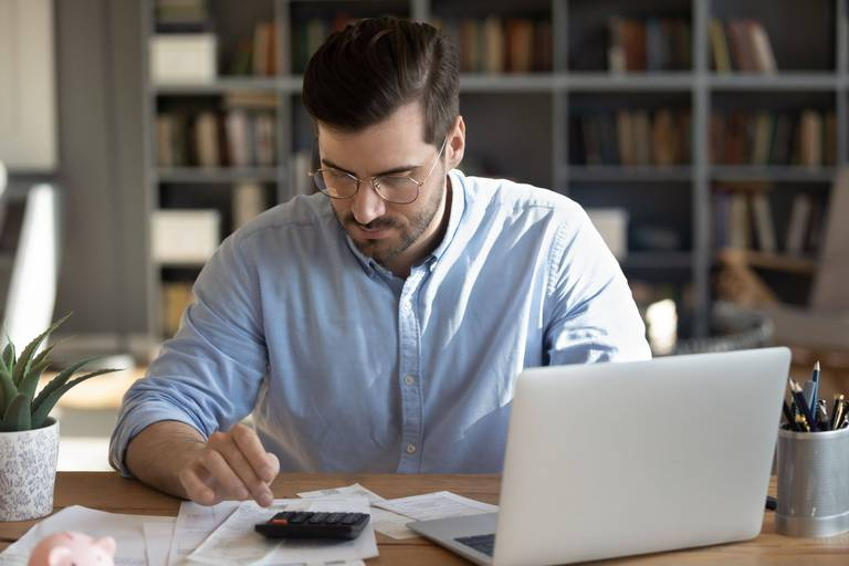 """""""De nombreux facteurs expliquent l'augmentation des fiches de paie électroniques : pratiques, structurées, elles permettent de gagner du temps, de simplifier l'administration et sont écologiques"""", analyse Yannick Sarin, business development director chez Acerta."""