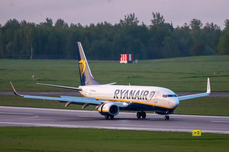 """Avion dérouté: le Bélarus dénonce les sanctions occidentales """"destructrices"""""""