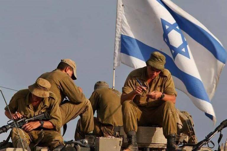 Israël annonce des raids à la mi-journée sur le nord de la bande de Gaza
