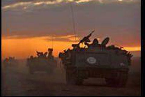 Nouvelles frappes à Gaza, Israël maintient la pression