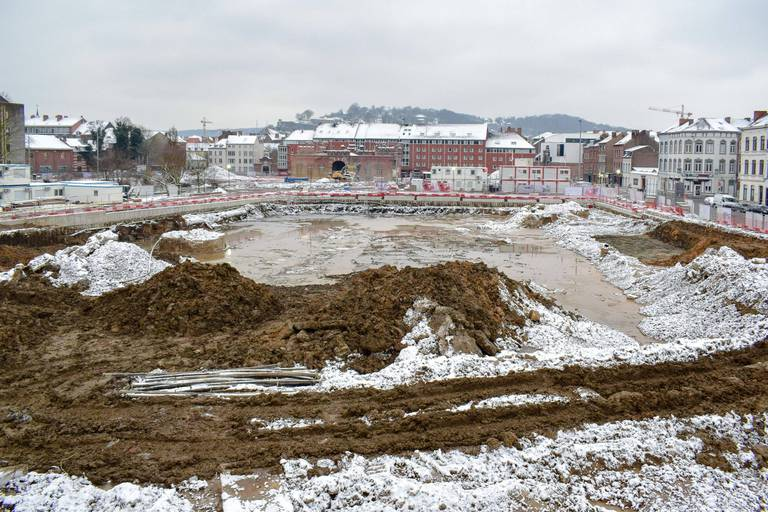 Une tour militaire médiévale mise au jour sur un chantier à Namur