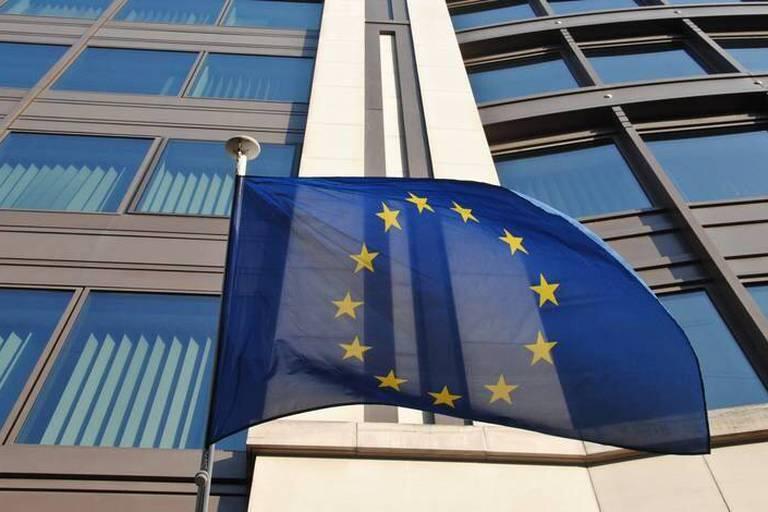 """Soupçons d'espionnage de l'Allemagne : La Commission européenne est """"sur la balle"""""""
