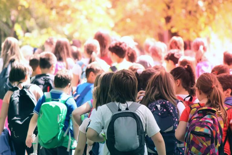 Coronavirus : Annuler les voyages scolaires? Les écoles décident au cas par cas et... les parents se disputent!