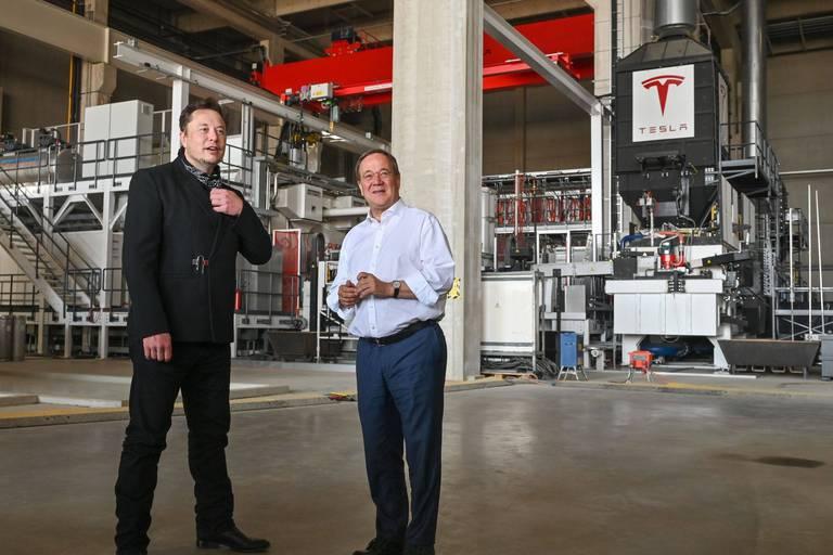 Elon Musk s'était rendu sur le chantier de sa future usine allemande dans le courant du mois d'août 2021.