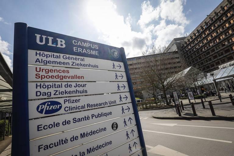 """""""Muselés"""": des infirmiers bruxellois dénoncent une amputation salariale, la police réquisitionne certains grévistes"""