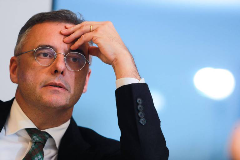 Grève de la faim des sans-papiers : le président du CD&V Joachim Coens suggère des hospitalisations forcées