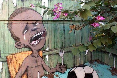 Une oeuvre de street art devient le symbole des anti-Coupe du Monde