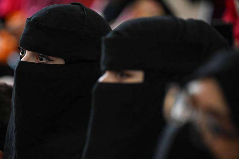 Afghanistan: les talibans publient un décret obligeant les étudiantes à porter une abaya et un niqab