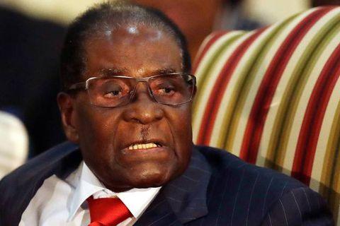 Zimbabwe: Mugabe s'accroche au pouvoir, en dépit du coup de force de l'armée