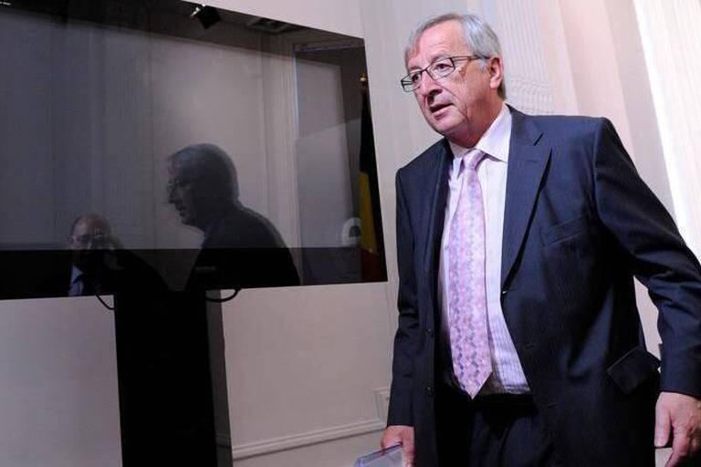 Pourquoi Juncker saute-t-il sur une affaire de bombes et d'espions?