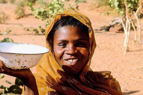 Jeune villageoise près de Kaye. Mauritanie Sunset / Reporters