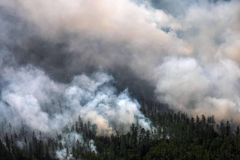 Les incendies s'aggravent en Sibérie, la fumée atteint le pôle Nord