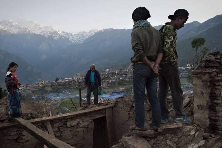 """Séisme au Népal: """"Nos représentants font tout pour retrouver le Belge disparu"""""""
