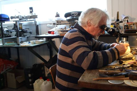 Paul Huybrechts dans son atelier