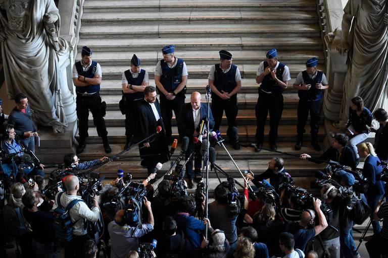 Le 23 avril 2018, l'avocat Sven Mary, qui représentait la défense de Salah Abdeslam, s'exprime devant la presse.