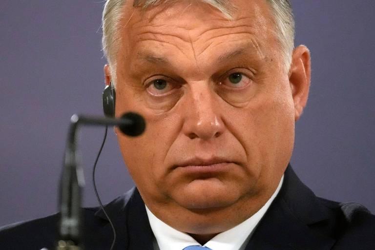Fortement critiquée, la Hongrie accuse la Commission de la harceler