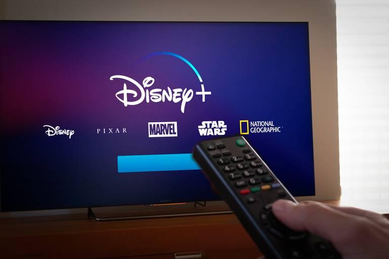 Plateforme de streaming et film en salle : comment la crise ébranle l'écosystème du cinéma