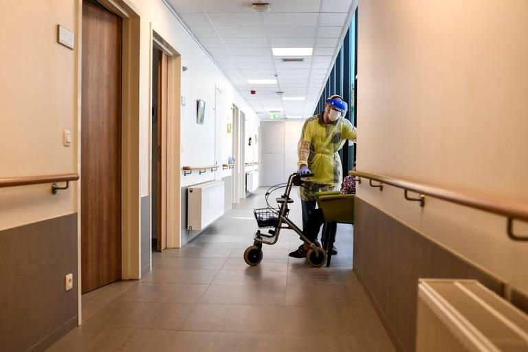Genk: un résident de maison de repos vacciné décède après une infection au variant Delta
