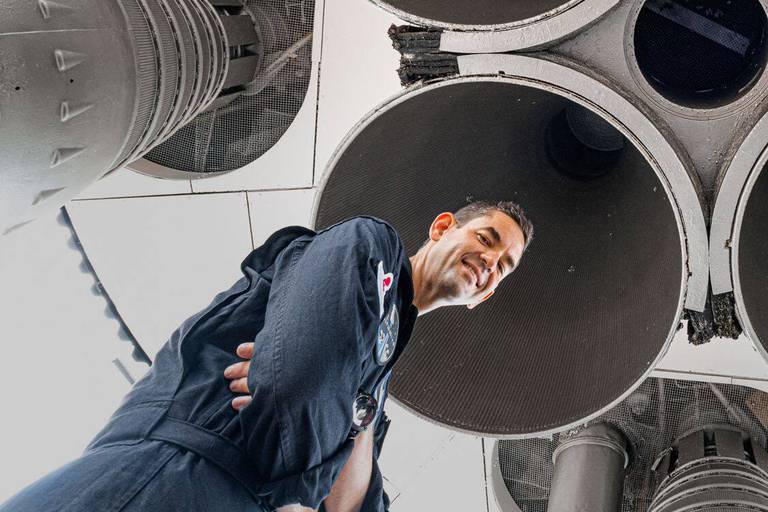 Qui est Jared Isaacman, le commandant milliardaire qui va aller dans l'espace à bord du vol touristique de SpaceX?