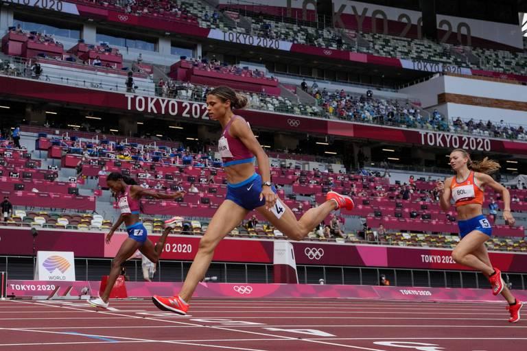 Sydney McLaughlin explose le record du monde du 400 mètres haies et se pare d'or