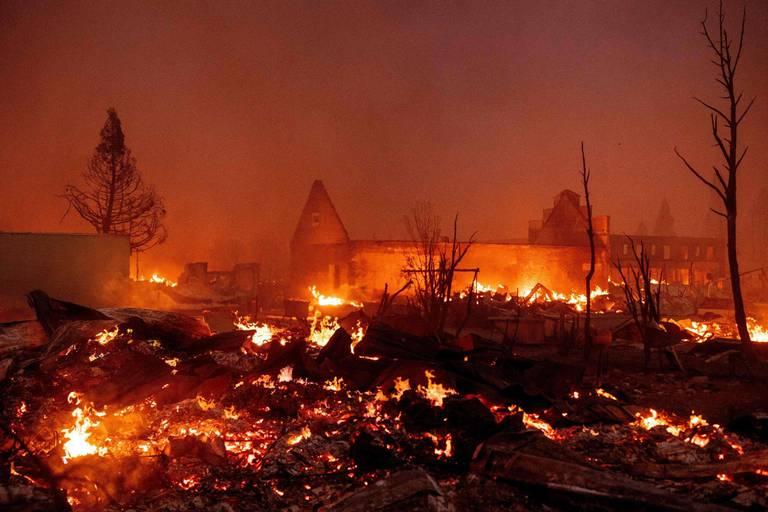 Incendie en Californie: 2.000 nouvelles évacuations, une petite ville ravagée