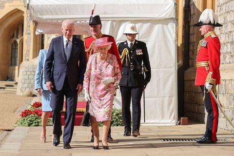 Joe Biden reçu par Elizabeth II au château de Windsor, avant Bruxelles