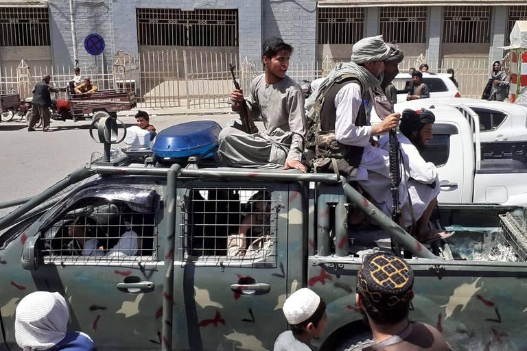 Afghanistan: les talibans arrivés tout près de Kaboul après la prise de nouvelles villes-clés