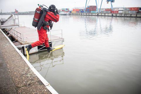 Un bain de minuit dans le canal qui a nécessité l'intervention des pompiers
