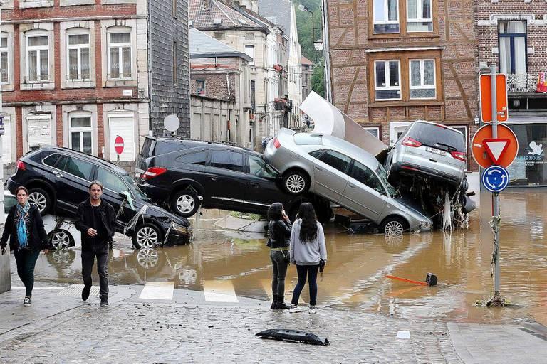 L'heure du décompte pour les voitures sinistrées : combien sont-elles et comment les remplacer ?