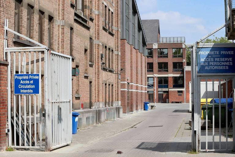 Après plusieurs cas de Covid-19, le collège Saint-Michel d'Etterbeek suspend les cours en présentiel