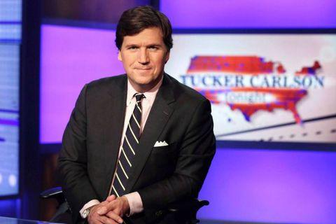 """""""Vous êtes le pire être humain connu de l'humanité"""" : un homme prend à partie Tucker Carlson, l'animateur de Fox News"""