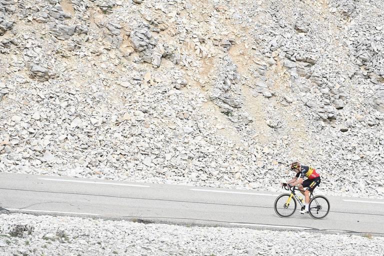 """Wout Van Aert savoure après son exploit au Mont Ventoux: """"C'est la plus belle victoire de ma carrière"""""""