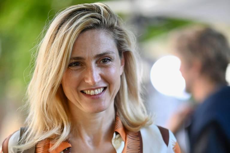 Julie Gayet révèle des détails de sa relation avec François Hollande lorsqu'il était encore au pouvoir
