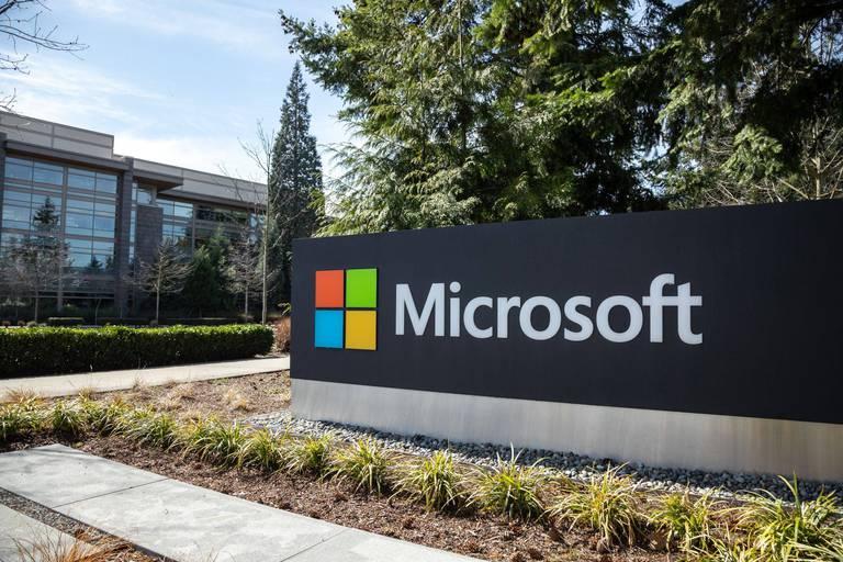 Après Apple, Microsoft atteint une capitalisation boursière de 2 000 milliards de dollars