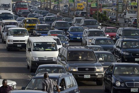 Au Nigéria, les automobilistes sont bloqués dans un embouteillage depuis ... un mois!