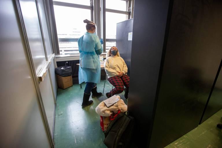 Coronavirus en Belgique: moins de 900 nouvelles contaminations en moyenne par jour