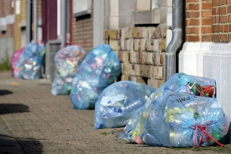 Vers un système de consignes qui pourrait concurrencer le sac-poubelle bleu?