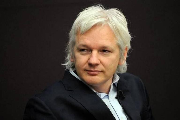 """L'Equateur garantit à Assange l'asile """"aussi longtemps que nécessaire"""""""
