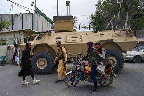 """Les talibans ont pris possession d'une """"bonne quantité"""" de matériel militaire américain"""