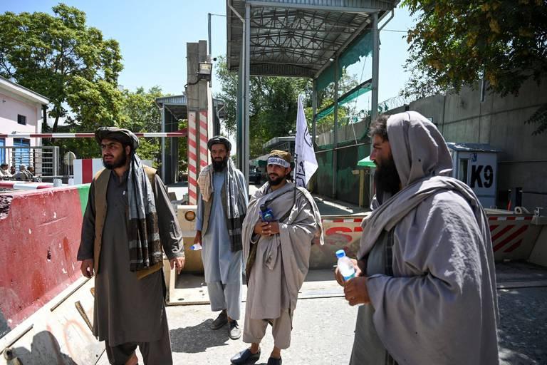 """La Chine souhaite des """"relations amicales"""" avec les talibans"""