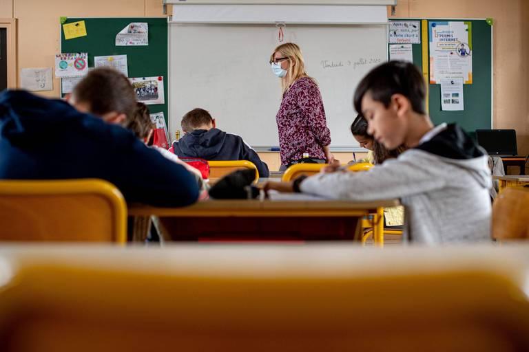 Plusieurs classes d'une école en quarantaine à la suite de contaminations dans le Brabant flamand