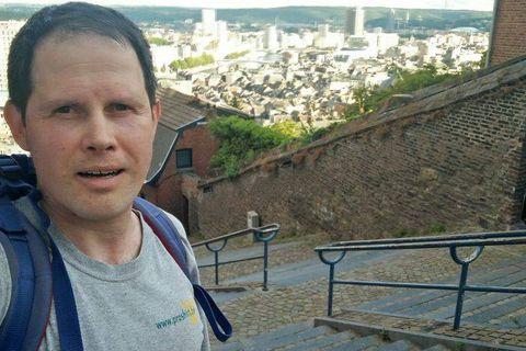 Pour simuler l'ascension de l'Everest, Louis-Philippe Loncke a gravi 135 fois la Montagne de Bueren à Liège