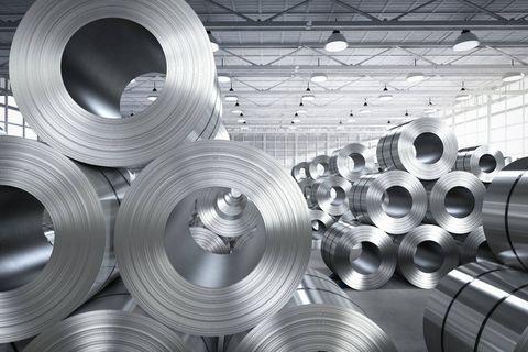 """Le prix de l'aluminium atteint les 3 000 dollars la tonne : """"Il y a des problèmes d'approvisionnement partout"""""""