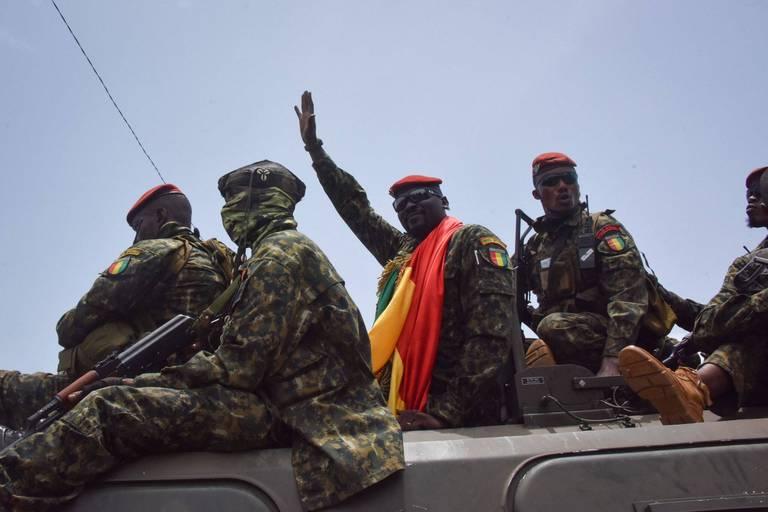 Guinée: premières libérations de dizaines de détenus du régime déchu