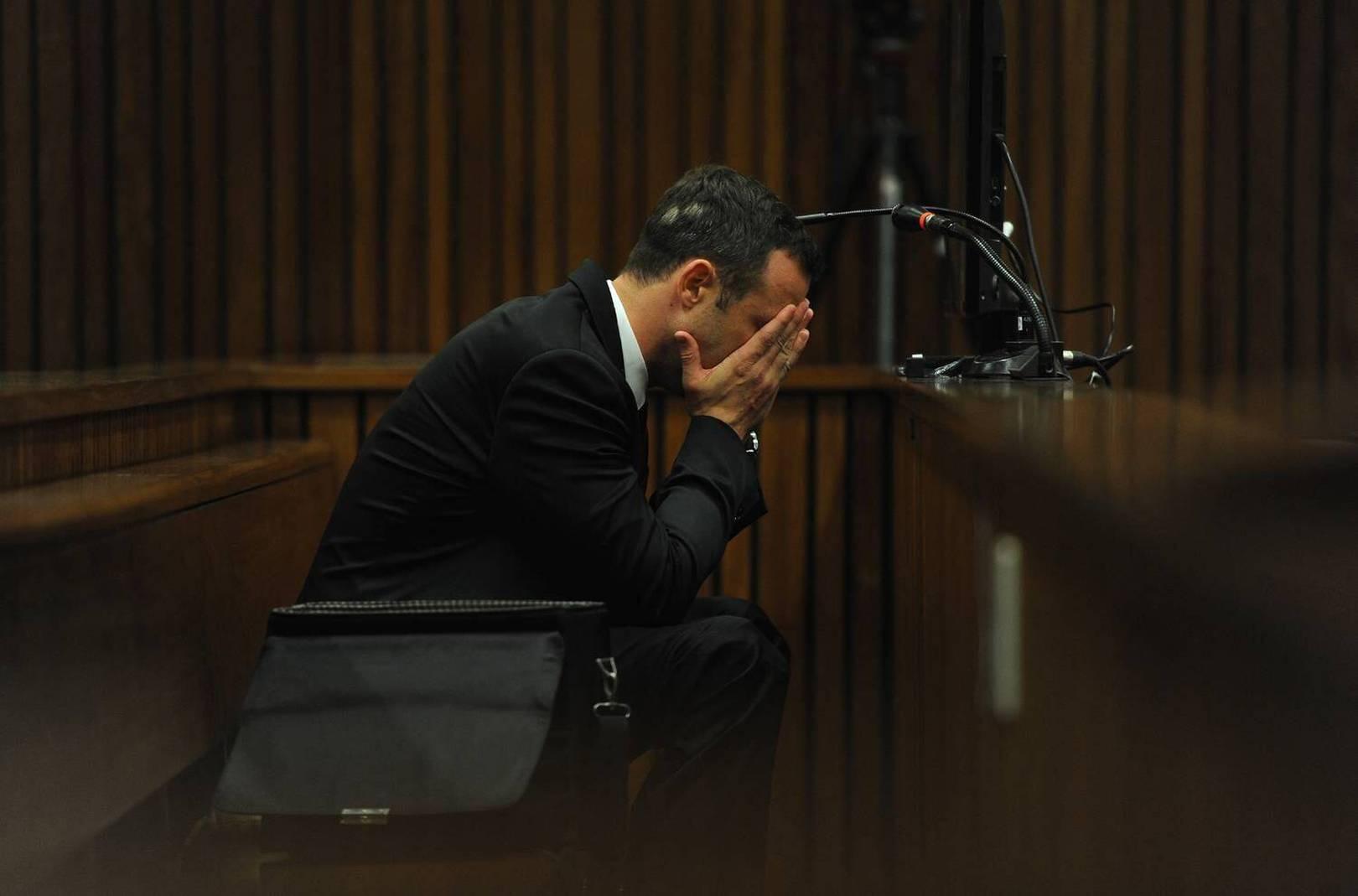 Oscar Pistorius en pleurs lors de l'audtion d'un témoignage