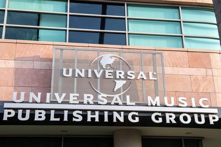 Vivendi s'écroule après la vente d'Universal Music : l'action perd plus de 60 % en moins de 24 heures