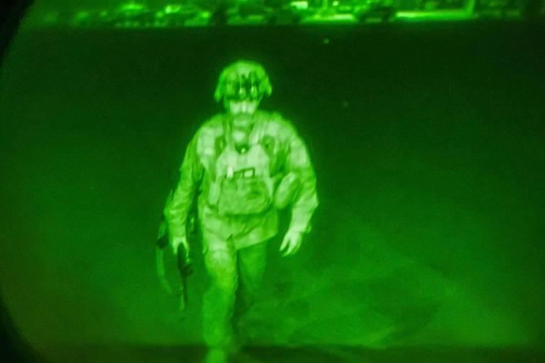 Les Etats-Unis divulguent la photo du dernier soldat américain sur le sol afghan